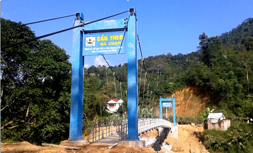 The people's suspension bridge accelerates the construction progress in Na Chap, Bac Kan
